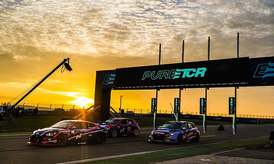 ETCR beats TCR out of the starting gate at Aragón