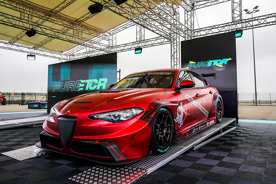 The Romeo Ferraris-build Alfa Romeo Giulia ETCR breaks cover